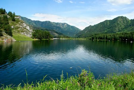 ridges: Lago di montagna, Altai, la Russia