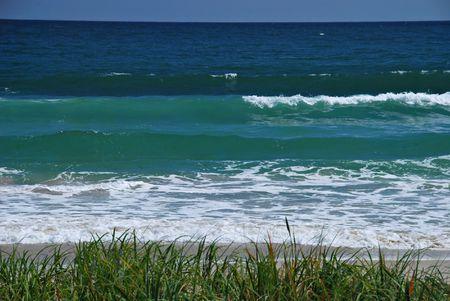 Hermoso mar, grandes olas, las mareas en la playa, verano Foto de archivo - 3904895