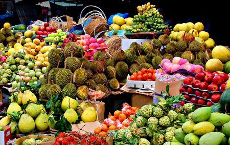 fruta tropical: Mercado asi�tico, frutas ex�ticas, Foto de archivo