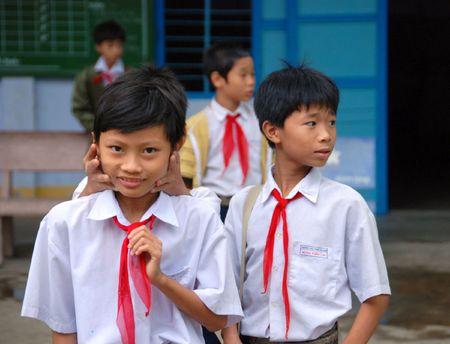 pioneers: Vietnamese pioneers, communist, school in Nha Trang Editorial