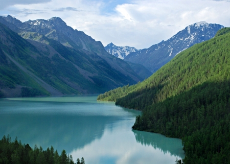 Mountain lake Kucherlinskoe, Altai, Rusland  Stockfoto