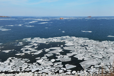 drifting ice: Ice in the sea, Pacific ocean, melting ice