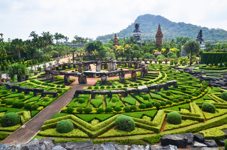 Nong Nooch Tropical Garden in Pattaya, Thailand, formal garden Imagens - 52873004