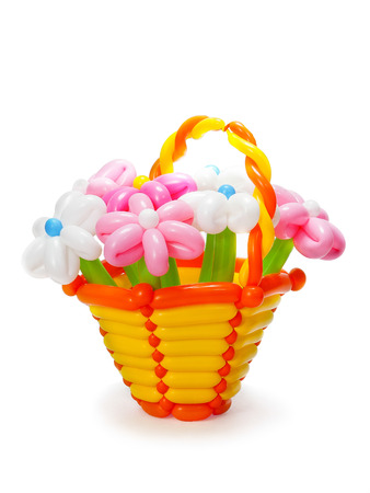 basket embroidery: basket with flowers from inflatable balls
