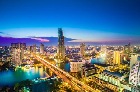 Landscape of River in Bangkok city Standard-Bild