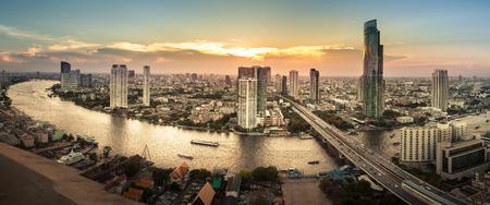 paisajes: Paisaje de r�o en la ciudad de Bangkok, Panorama Foto de archivo