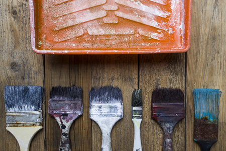 redecorating: old brushes on the painting tray