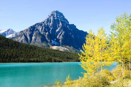 rockies: Canadian Rockies, waterfowl Lake in Autumn