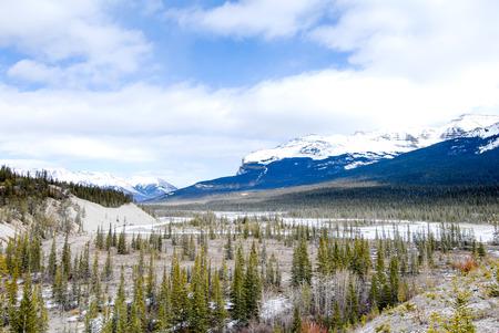 North Saskatchewan River in Winter, Canadian Rockies, Alberta, Canada Stock Photo