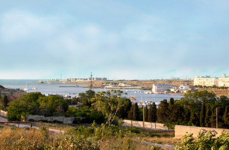 capacities: View of the bay, yachts, skiffs and port facilities