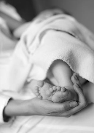 borstvoeding: Moeder borstvoeding de baby Stockfoto