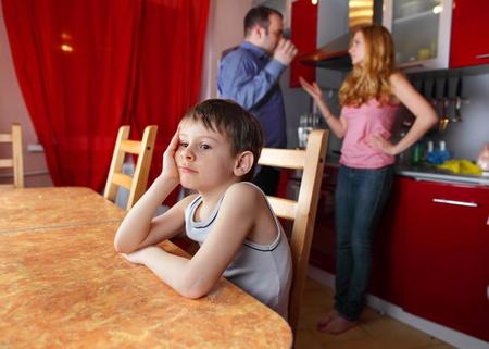 scheidung: Eltern schw�ren und Kinder leiden Lizenzfreie Bilder