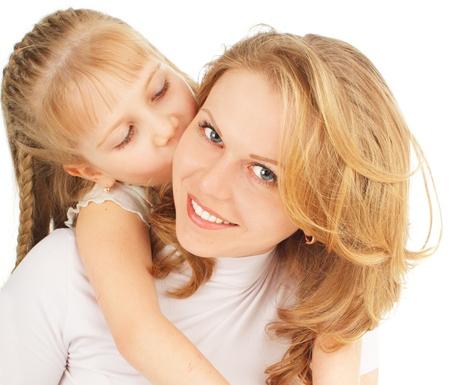 dzień matki: Matka z córką na białym