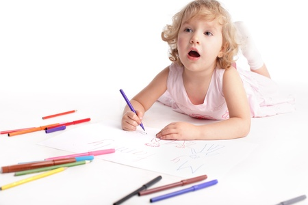 sketch child: Little girl drawing the family