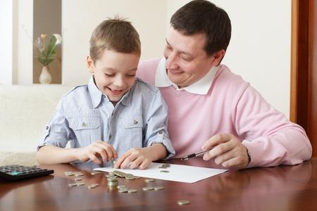 planificación familiar: Padre de formación, el hijo de la financiación. Serie Foto de archivo