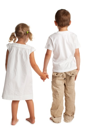 brat: Dzieci stojÄ…c z powrotem na biaÅ'ym Zdjęcie Seryjne