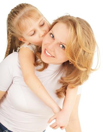 mujer hijos: Madre con hija aislada en blanco Foto de archivo