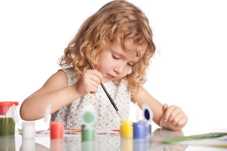 Littl Kind, Zeichnung malen. Isoliert auf weißem Standard-Bild