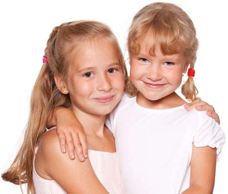 petite fille avec robe: Des enfants heureux isolé sur blanc