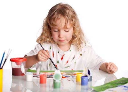Littl Kind, Zeichnung malen. Isoliert auf weißem
