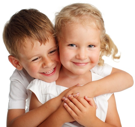 Gelukkige kinderen op een witte
