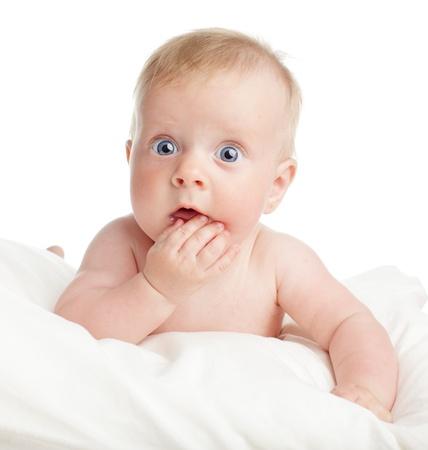 surprised: Sorprendido beb� aislado en blanco Foto de archivo