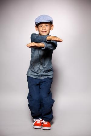 enfants qui dansent: Danser gar�on. Mode enfant mod