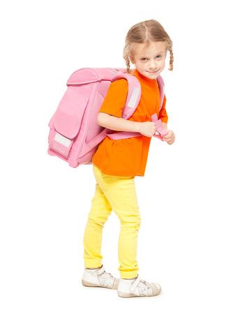 niño con mochila: Niña con la cartera. Niño feliz en blanco