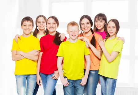 Gelukkige groep kinderen Stockfoto