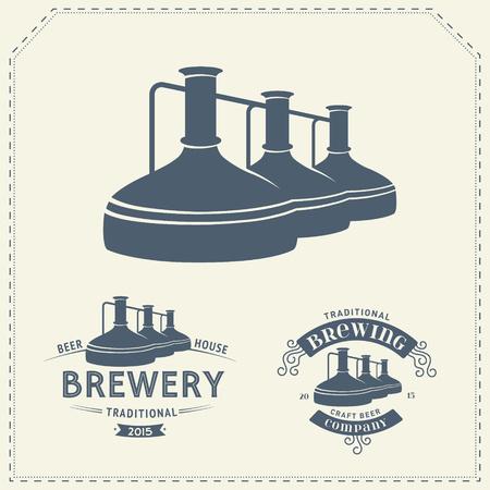 Conjunto con elementos de fábrica de cerveza, iconos, logotipos, elementos de diseño. proceso de elaboración, producción de cerveza, elementos de producción de la fábrica de cerveza, elaboración de la cerveza tradicional. Vector Logos