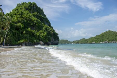 The beach caressed by the waves in Koh Samui