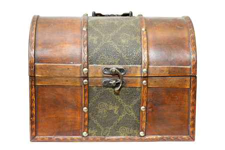 old closed treasure wooden box isolated over white background Standard-Bild