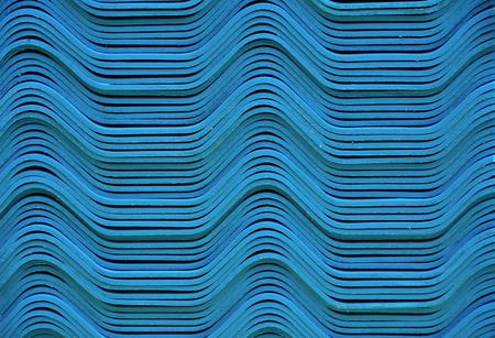 Pila de tejas azules, tejas que agitan, pila de existencias, almacenado, sección transversal Foto de archivo