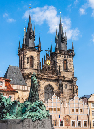 tyn: Old town square  Jan Hus monument   The Church of Our Lady before Tyn, Prague, Czech Republic