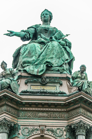 Maria Theresia Monument, in Vienna, Austria, Europe. The monument was built by Kaspar von Zumbusch in the year 1888 Banco de Imagens