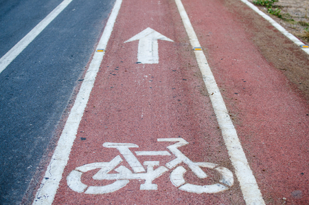 markings: Cycling road signs and markings
