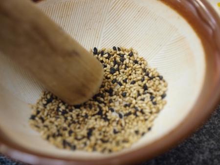 S�same dans un mortier pour la cuisine japonaise
