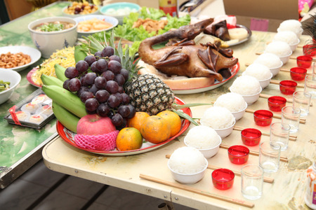 Chinese culture ancestor food offering