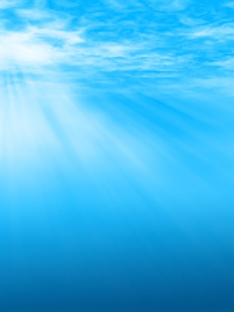 Editable vector illustration of sunlight beams underwater or through clouds made using a gradient mesh 向量圖像