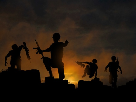 Dramatic illustration of soldiers advancing at dawn or dusk, made with a gradient mesh Stock Illustratie