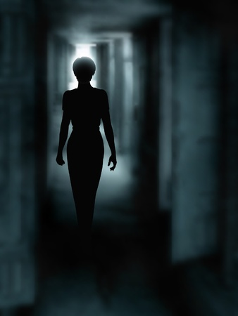 Editable ilustración vectorial de la silueta de una mujer caminando por un pasillo oscuro realiza mediante una malla de gradiente Ilustración de vector