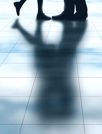 Illustration vectorielle modifiable de l'ombre de deux amoureux qui s'embrassent fait en utilisant un filet de dégradé Banque d'images - 20337663