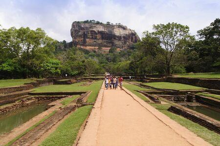 sigiriya: Tourists at Sigiriya rock fortress, Sigiriya is famous tourist landmark. SIGIRIYA, SRI LANKA - 4 February, 2016 Editorial