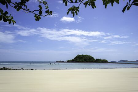 Beautiful tropical nature landscape of sea ocean and beach in Thailand for background or wallpaper. Banco de Imagens