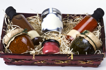 chutney: Gift basket with gourmet condiments and sauces Stock Photo