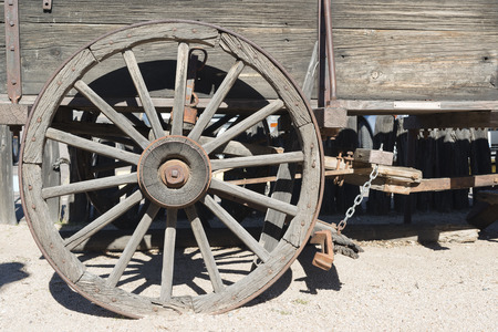 grazing land: Old american wooden wagon