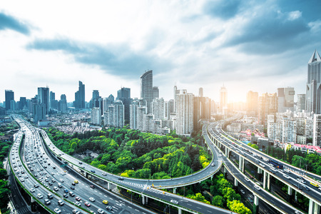 夕暮れ時の上海高架道路 写真素材
