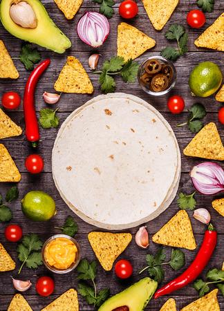 Concetto di cibo messicano, sfondo cibo, vista dall'alto. Archivio Fotografico - 55794697