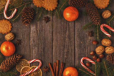 Kerst houten achtergrond. Bovenaanzicht met kopie ruimte. Stockfoto