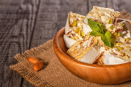 Nougat with honey and nuts. Zdjęcie Seryjne